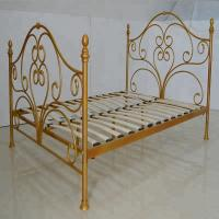 Cheap 3ft 4ft 5ft Metal Bed Frame European Design Rust Proof With Wooden Slats for sale