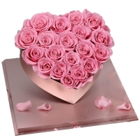 Cheap Real rose New Arrival 2021 Real Preserved Roses Heart Shape Acrylic Box Gift For Valentines Day for sale