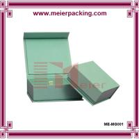 Custom Sharp edged sturdy Paper light green magnet sweet box with hinged lid Manufactures