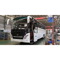 Cheap New Brand Double Axle Euro II Diesel Tour Bus Front Cummins Engine Buses 58-70 Seats Used Golden Dragon XML6125 for sale
