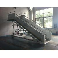 Cheap Stable Aircraft Passenger Stairs 4610 kg Rear Axle Carrying Capacity for sale