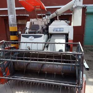 Cheap 2.43L Diesel Second Hand Kubota Wheat Cutter Machine for sale