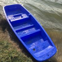 Cheap 4M Blue Play Plastic Fishing Boat with motor for sale for sale