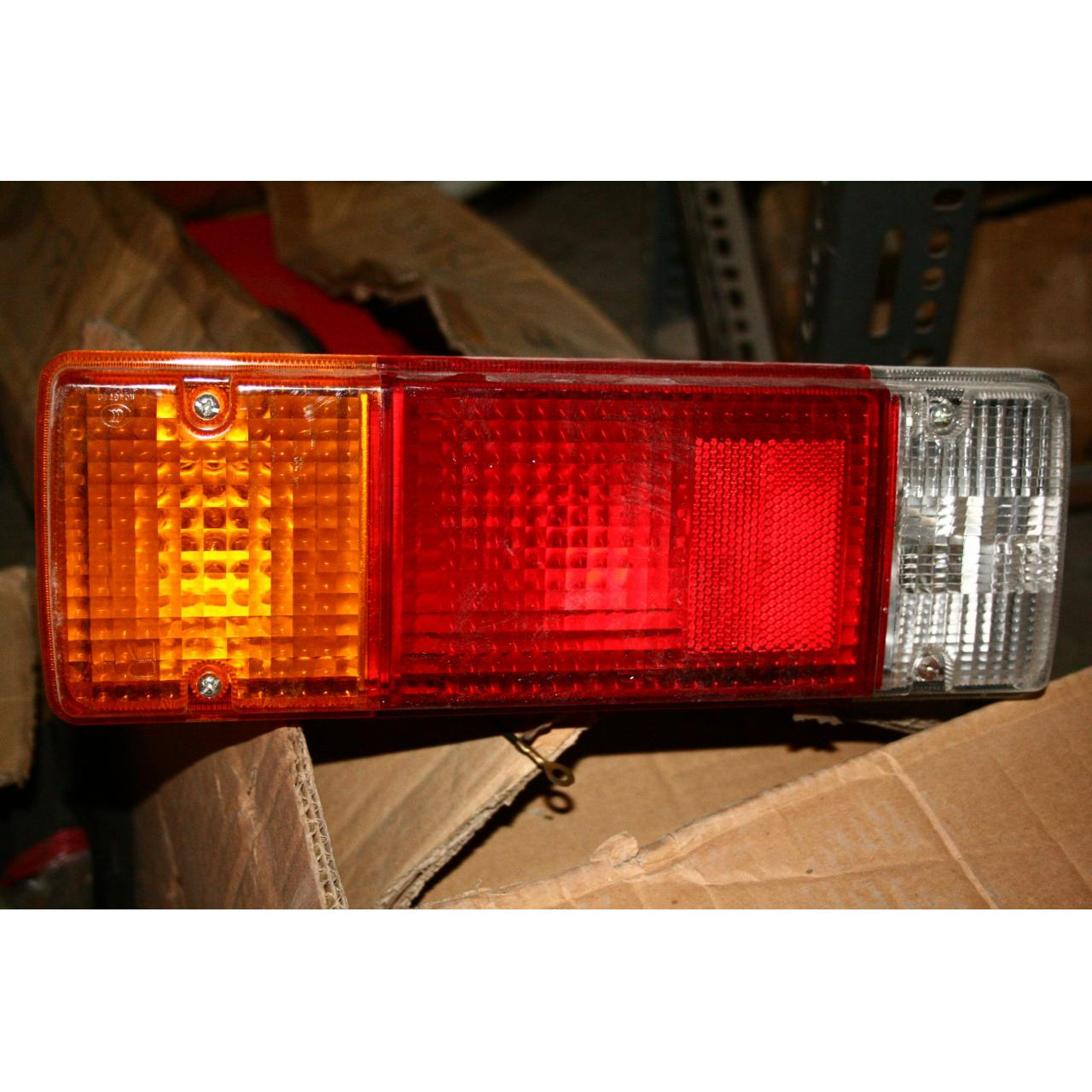 COMBINATION TAIL LAMP LH ASSY-FAW
