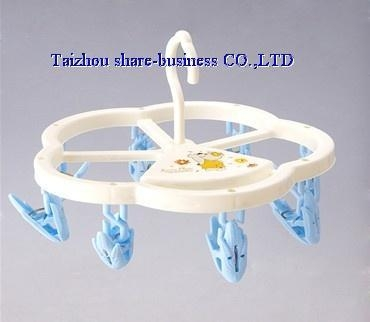 Quality XY-10025-1 plastic cloth hanger wholesale