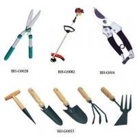 Images of different kinds of garden tools different for Kinds of gardening tools